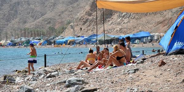 לינת אוהלים בחופי אילת - איפה אסור ואיפה מותר?